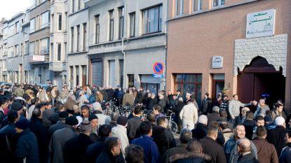 Extra patrouilles langs Antwerpse moskeeën na aanslagen in Nieuw-Zeeland. Moslimgemeenschap vraagt ook para's