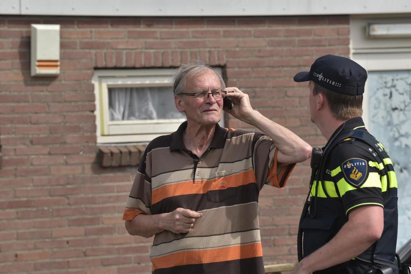 Kort geding fort oranje eigenaar en advocaat willen for Douane engels