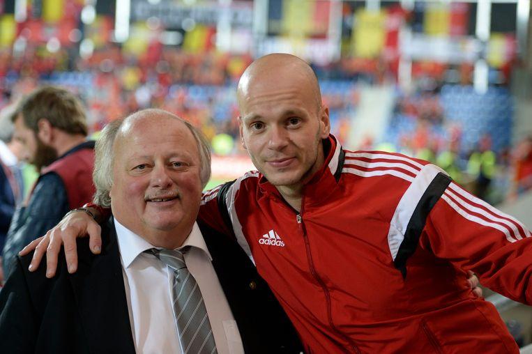 Sebastien Delferière met zijn vader David, die als voorzitter van het Belgische vrouwenvoetbal ook voor de Belgische bond werkt.