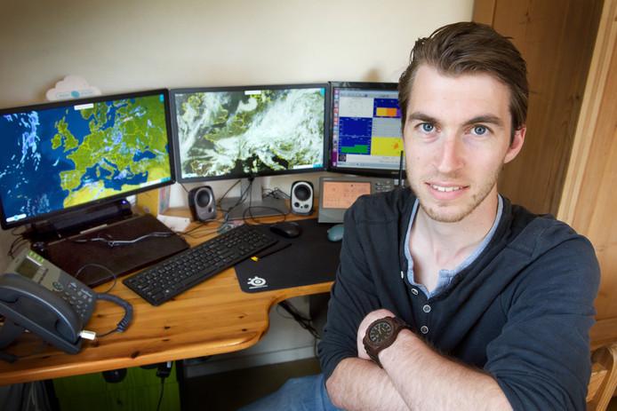 Liefhebber als hij is, volgt meteoroloog Wilfred Janssen van Weerplaza de ontwikkeling van de temperaturen. Dat doet hij thuis in Heteren en via het weerstation bij zijn ouders in Homoet.