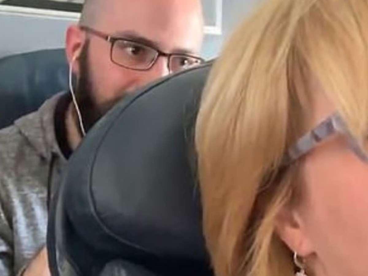 Wendi Williams, qui se rendait en Caroline du Nord sur un vol American Airlines, a rapporté sur son compte Twitter l'agression dont elle prétend être victime lors de son voyage.