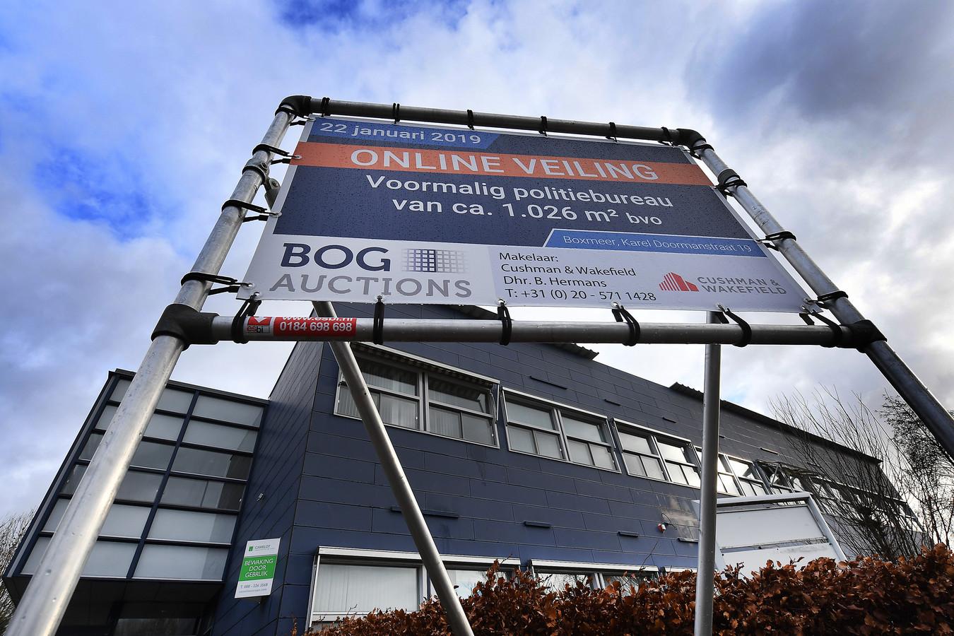 Het oude politiebureau van Boxmeer, vlak voor de veiling begin dit jaar.