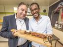 Gertjan Gombert  en Robin Haakmat tonen trots de biefstuk