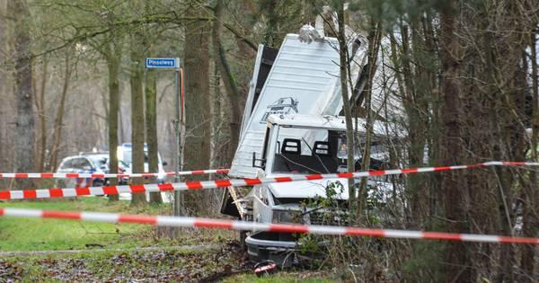 Bestuurder van vrachtwagen overleden door eenzijdig ongeluk in Hengelo.