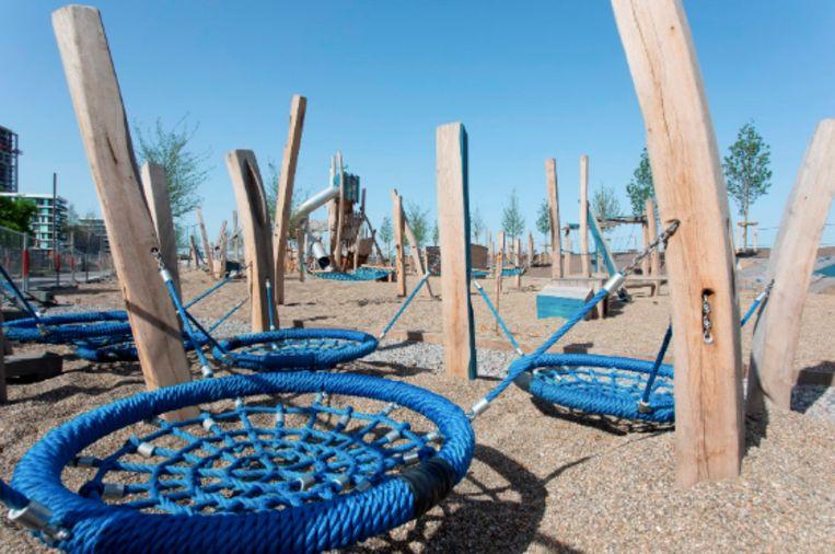 De speeltuin maakt deel uit van de heraanleg van de Scheldekaaien in het deelgebied Sint-Andries en Zuid.
