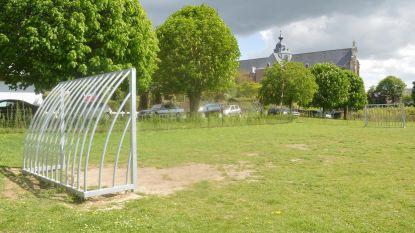 Nieuw voetbalterreintje langs Kloosterweg