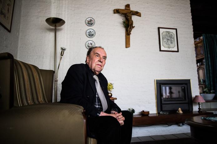 Priester Clemens Crolla thuis in Huissen.
