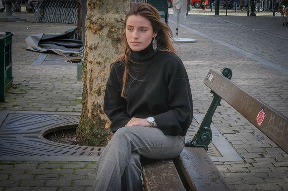 Aurélie Boffé alias Ellie Fey lanceerde op Internationale Vrouwendag haar song 'Woman', waarmee ze seksuele intimidatie op straat onder de aandacht brengt.