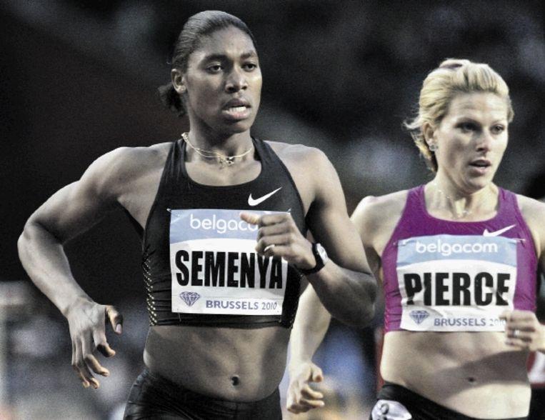 Over de wereldtitel van Caster Semenya ontstond vorig jaar veel ophef. De Zuid-Afrikaanse werd ervan beticht geen 'echte vrouw' te zijn. (FOTO REUTERS) Beeld REUTERS