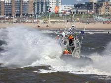 Reddingsbrigade rukt uit voor persoon te water bij de Pier