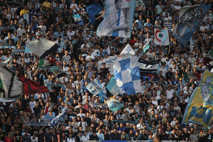 De aanhang van Lazio tijdens de wedstrijd tegen AC Milan van zondag.
