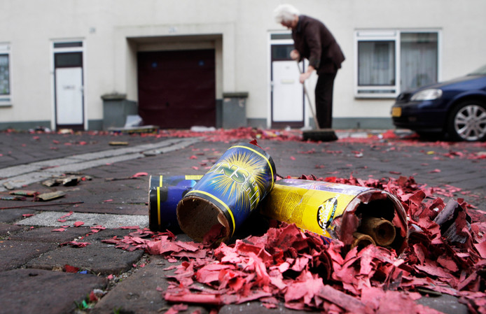 De schade van de jaarwisseling in de Vechtdal-gemeenten Hardenberg, Ommen en Dalfsen wordt geschat op zo'n 16.000 euro.