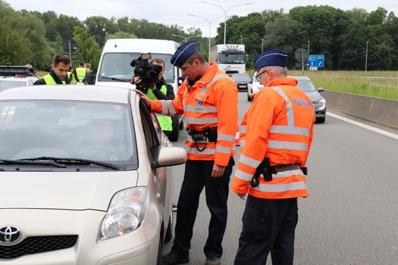 De politie hield een grote controle op de Siesegemlaan in Aalst.