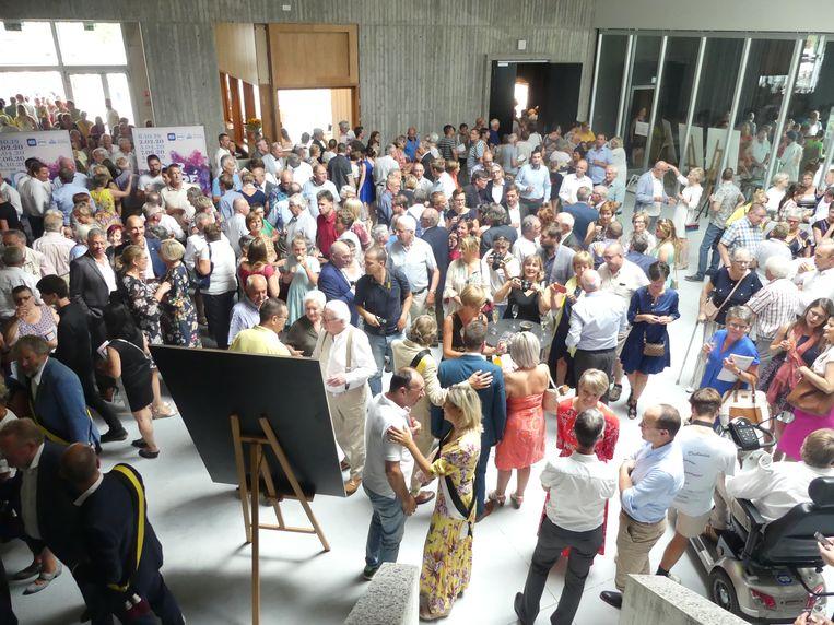 De foyer van het Leietheater stroomde zaterdag vol met bezoekers.