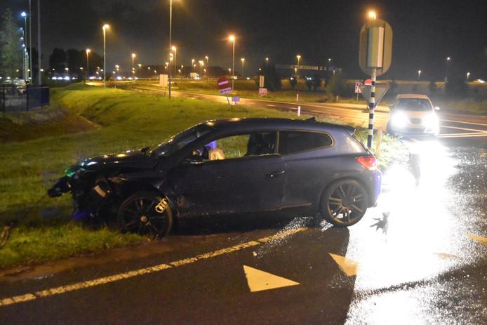 Twee auto's botsten op elkaar en hadden flink wat schade