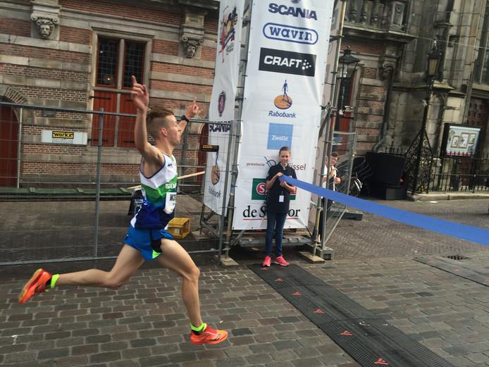 Arne Mulder onderweg bij de 4 mijl. Foto: Bert-Jan Lukje