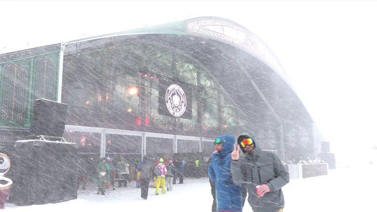 Minder volk op het festivalterrein door de sneeuwstorm