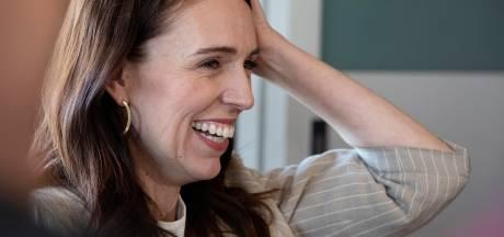 Premier Nieuw-Zeeland boekt verpletterende zege dankzij uitroeien coronavirus