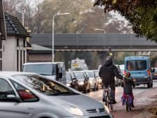 Politie zoekt naar vrouw die op haar fiets kinderen aanreed