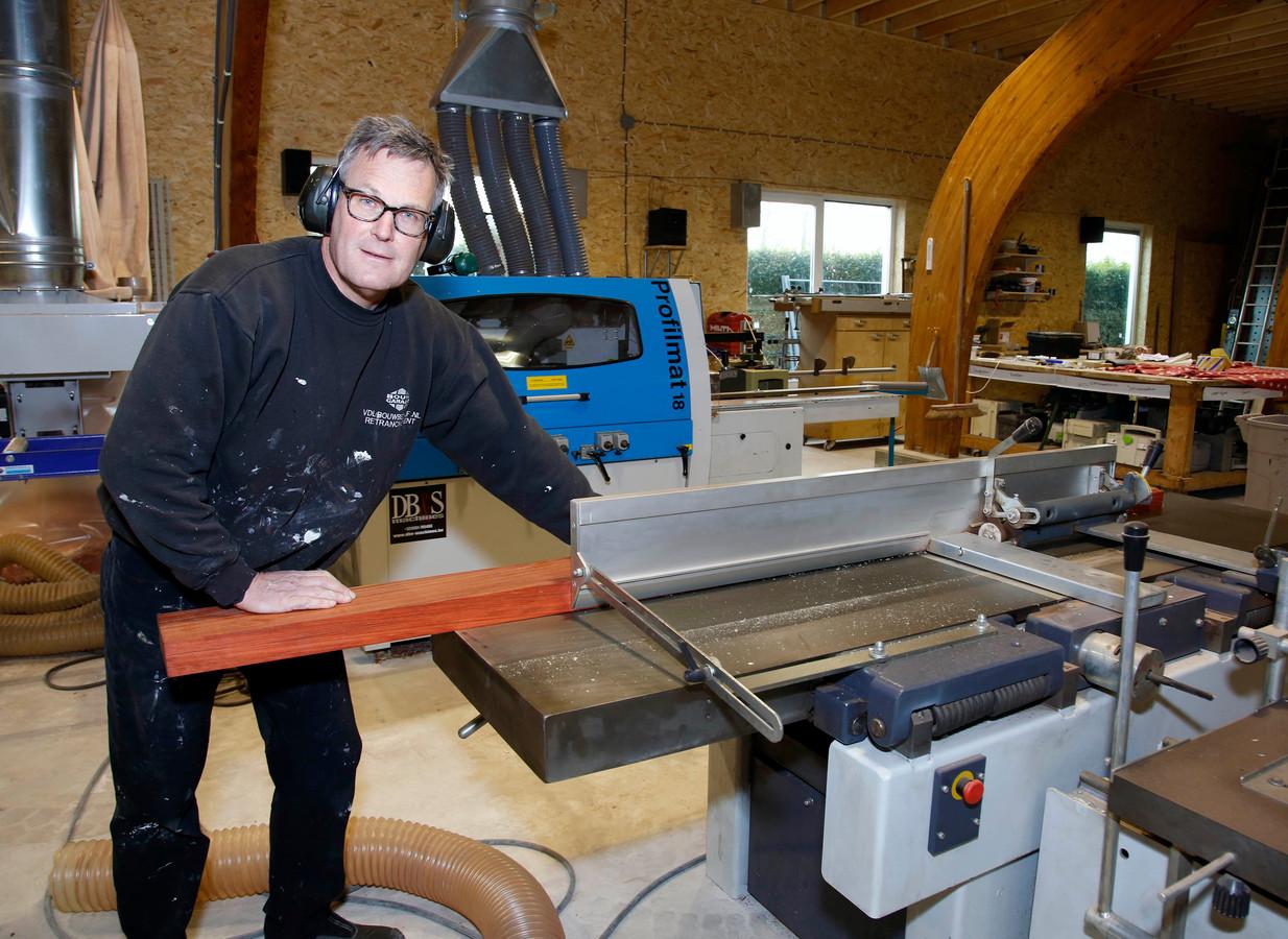 Jan van de Luyster en zijn bedrijf VDL mogen op hun plek blijven.