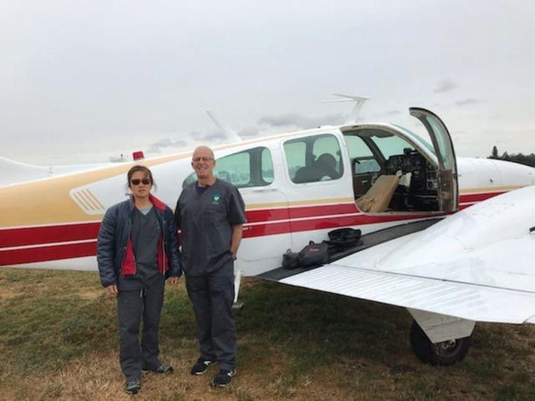 Elaine Ong en Chris Barton vertrokken zondag naar het rampgebied in Mallacoota.
