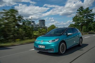 elektrisch-met-horten-en--zo-rijdt-de-langverwachte-volkswagen-id3