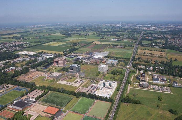De campus van Wageningen Universiteit op archiefbeeld, rechts de Mansholtlaan richting Ede en de A12.
