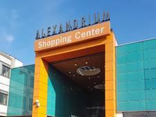 Alexandrium gaat rollend over straat