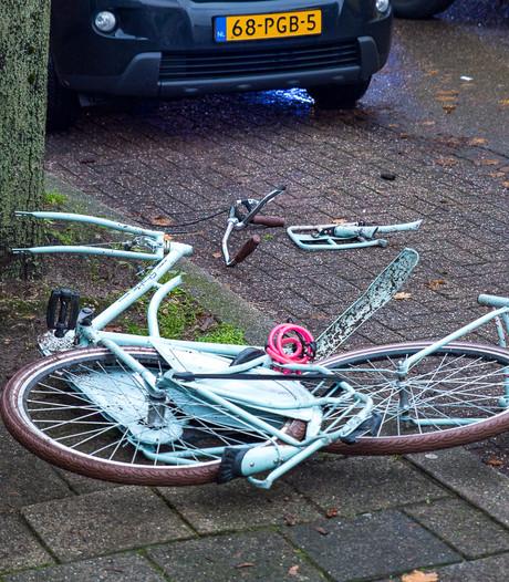 Meisje zwaargewond door aanrijding met vrachtwagen in Tilburg