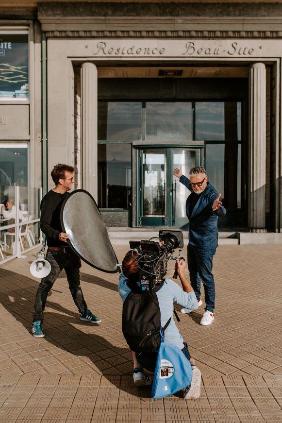Marcel Vanthilt zal 'Hotel Marcel' presenteren vanuit bar Et Alors, op de hoek van de Vlaanderenstraat en de zeedijk.