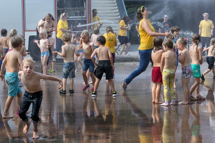 Een dikke 1000 kinderen genieten jaarlijks van Jeugd Aktief Vught. De jeugdweek viert haar gouden jubileum.