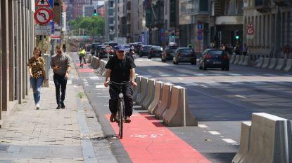 Wegverzakking op Belliardstraat veroorzaakt nog heel de week hinder