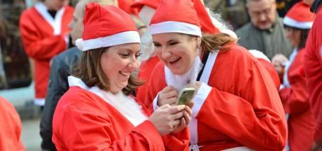 350 kerstmannen rennen door Breda en halen 10.065 euro op