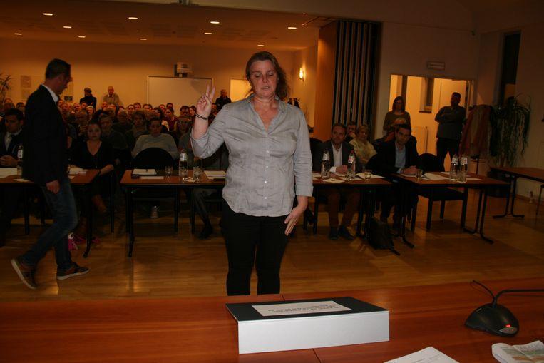 Onafhankelijk raadslid An van Uffelen legde vanavond de eed af.