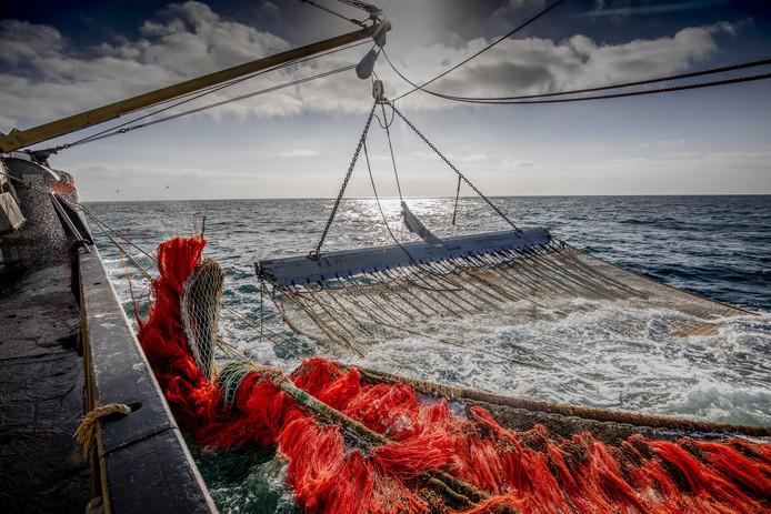 Vissers hebben veel geld geïnvesteerd in speciale netten, die Brussel nu verbiedt.