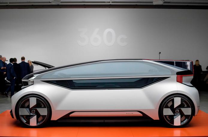De Volvo 360c, een zelfrijdende conceptcar van Volvo, bij de presentatie in september 2018