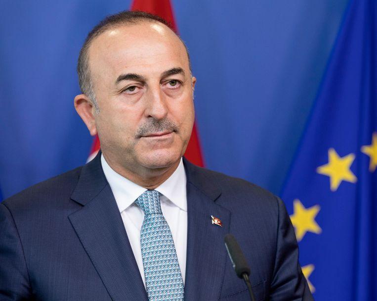 De Turkse minister van Buitenlandse Zaken Mevlut Cavusoglu (foto) vindt dat de Franse minister van Buitenlandse Zaken een grens heeft overschreden.