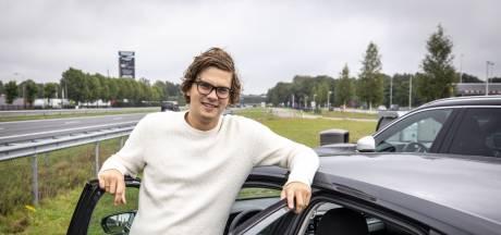 Lars (25) tankt in Deurningen: 'We zoeken nu graag de rust op'