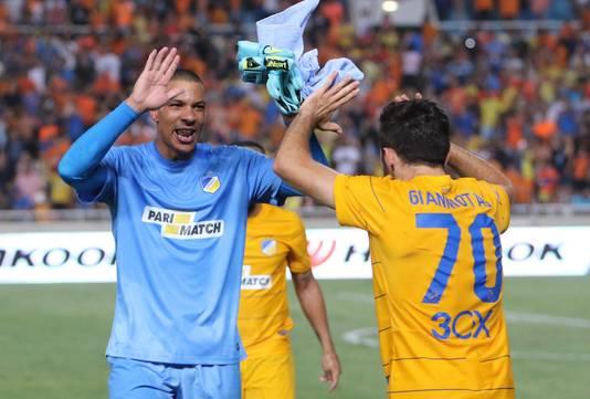 Boy Waterman (links) speelt al sinds 2015 voor APOEL op Cyprus.