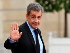 Sarkozy dévoile un rare cliché de son enfance pour la bonne cause