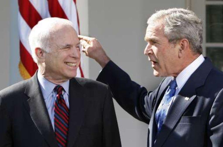 Het is nog maar de vraag in hoeverre de steun van de onpopulaire Bush McCain zal helpen.