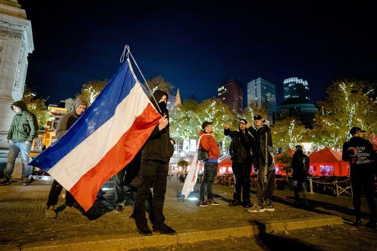 Een demonstratie tegen de nieuwe coronamaatregelen, op het Plein in Den Haag. Beeld ANP