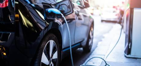 Overheid plaatst 2000 oplaadpunten voor elektrische auto's bij rijksgebouwen