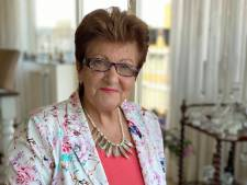 Orgel Joke (70) wint Best Social Award met haar aandoenlijke covers op Instagram