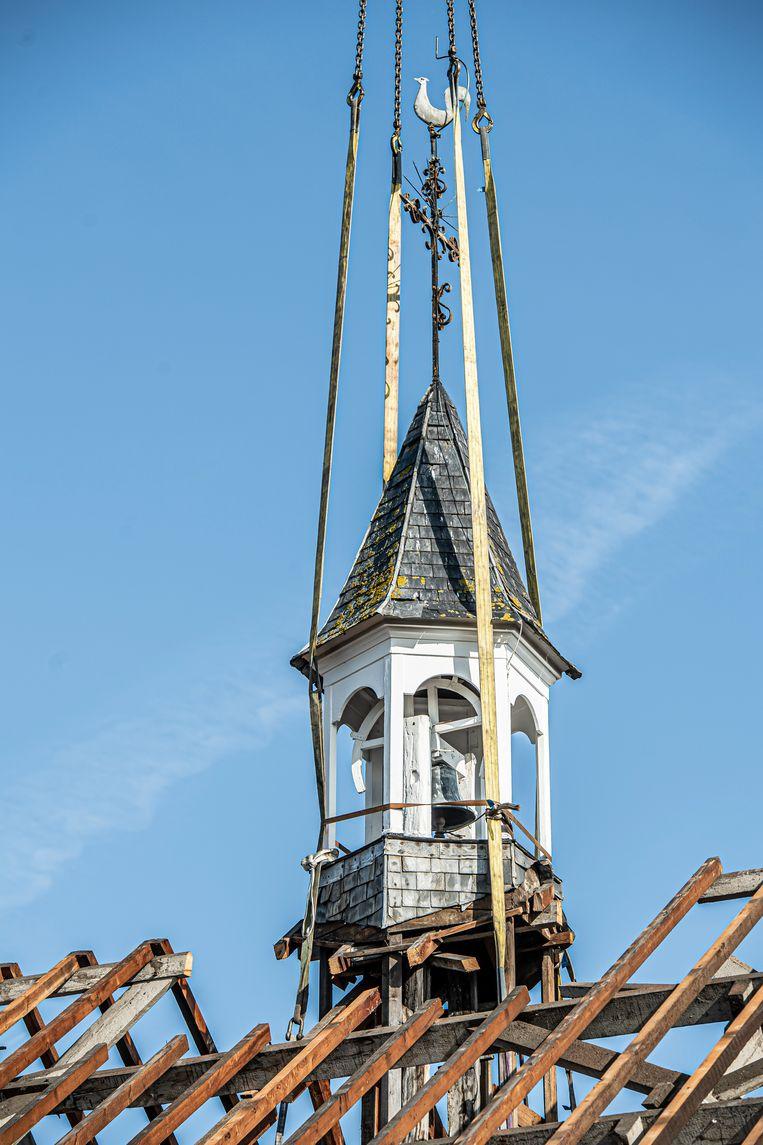 Het torentje staat hier nog op het klooster.