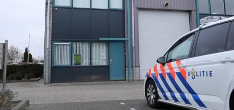 Politie vindt 12.639 voorgedraaide joints in loods, maar bekeerde eigenaar Willem (32) weet van niets...