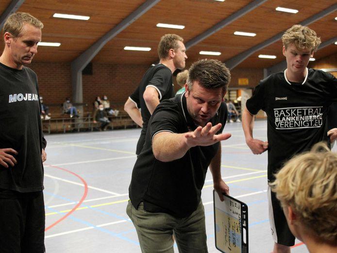 Coach Pieter De Rycker zoekt nog één inkomende transfer om zijn team te versterken.