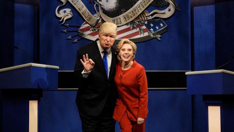 De persiflage van presidentskandidaten Trump en Clinton. Beeld ap