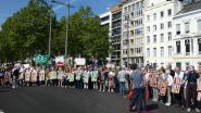 Klimaatbetogers blokkeren verkeer op de Leien