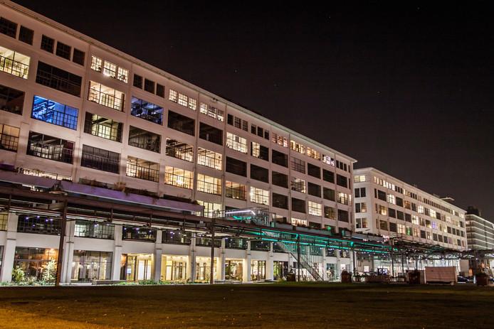 StrijpS is de afgelopen jaren flink verbouwd. Oude Philips gebouwen werden omgetoverd tot woningen.